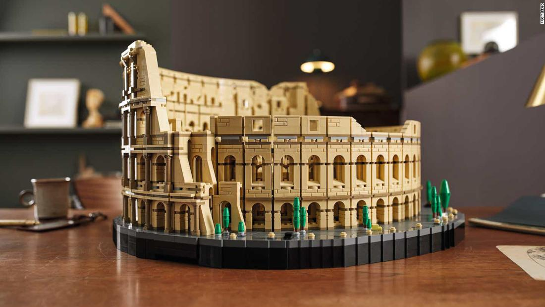 Largest Lego brick set in history is already out of stock