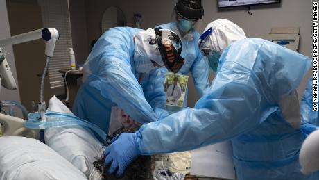 La pandémie est devenue une catastrophe humanitaire américaine