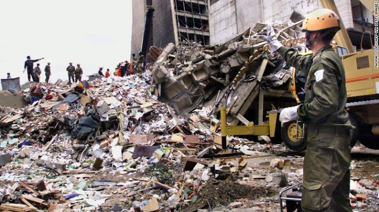 Al-Masri secara luas dianggap sebagai otak di balik serangan tahun 1998 terhadap kedutaan besar AS di Nairobi.