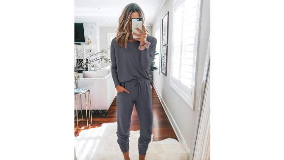 Prettygarden Two-Piece Matching Sweatsuit