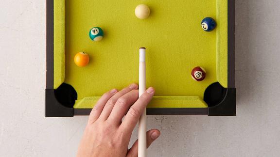 UO Mini Tabletop Pool Game