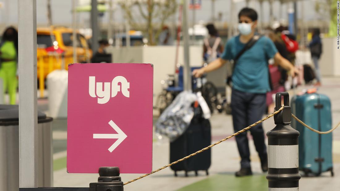 Lyft's Thanksgiving travel push receives backlash amid worsening pandemic