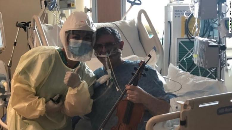 An intubated Covid-19 patient played the violin in the ICU to thank health care workers