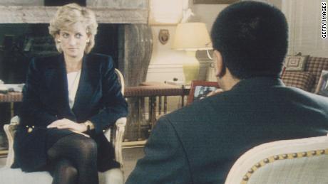 O jornalista da BBC desiste quando a investigação de sua entrevista marcante com a princesa Diana é concluída