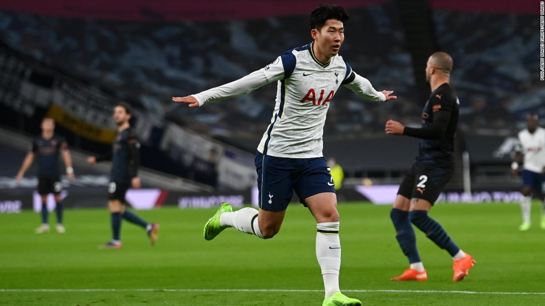 Tottenham Hotspur upset Manchester City to go top of Premier League