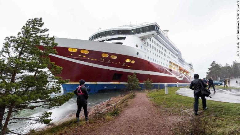 More than 400 people stranded after ferry runs aground in Finland