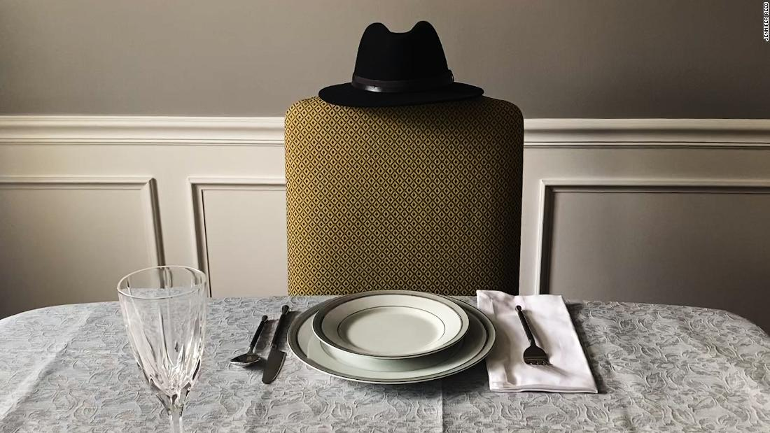 Covid leaves empty Thanksgiving chairs across America