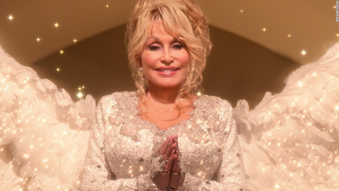 201123135343 01 dolly parton netflix christmas special super tease