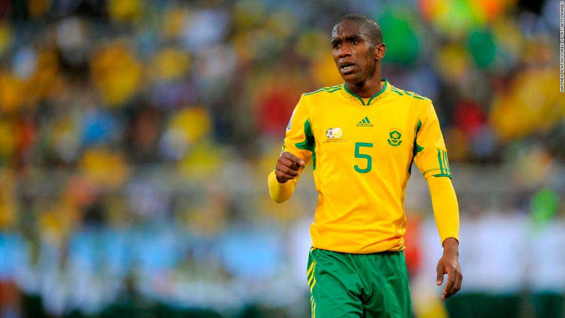 Soccer star dies in a car accident aged 33