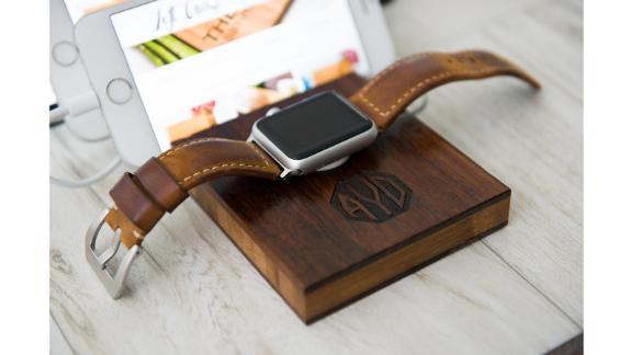 اسکله شارژ اسلات سه گانه Apple Watch توسط Left Coast Original