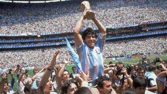"""Argentina soccer legend <a href=""""https://www.cnn.com/2020/11/25/football/diego-maradona-death-argentina-spt-intl/index.html"""" target=""""_blank"""">Diego Maradona</a> died at the age of 60, a source close to his family confirmed to CNN on November 25. A source from the Argentinian Justice Ministry who was present at the time of Maradona's autopsy said the cause of death was an """"acute secondary lung edema to exacerbated chronic heart failure."""" Maradona, regarded as one of the greatest players in the history of the game, became a household name after inspiring his country to World Cup glory in 1986."""