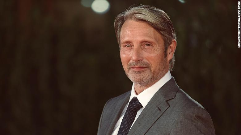 Mads Mikkelsen replaces Johnny Depp for third 'Fantastic Beasts' movie