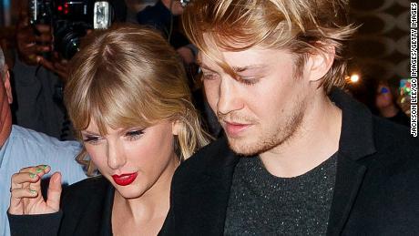 Taylor Swift Reveals Boyfriend Joe Alwyn Is Mystery Folklore Co Writer Cnn