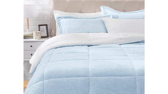 AmazonBasics Comforters