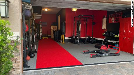CNN fitness expert Dana Santas gradually built out her garage gym in Florida over several years. You can create your own home gym, too.