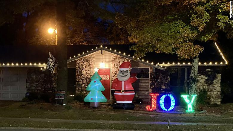 Man receives racist letter over Black Santa decoration — and neighbors have his back