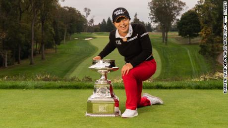 Kim poses with the trophy after winning the 2020 Women's PGA Championship.