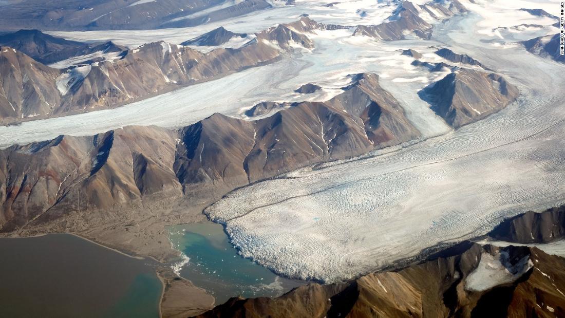 New climate pledges 'far short' of meeting Paris Agreement goals, UN warns