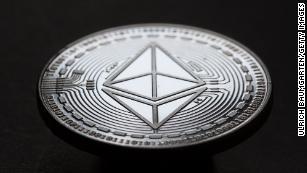 Bitcoin'i unutun.  Bu kripto para birimleri daha da yükseliyor