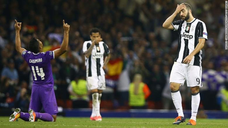 Casemiro celebrates as Real Madrid goes 4-1 up in the 2017 Champions League final.