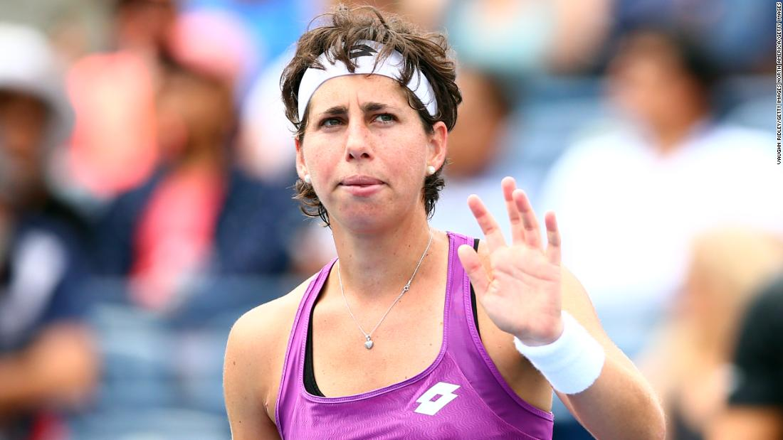 Amid cancer treatment, tennis star Carla Suarez Navarro stays 'active' on court