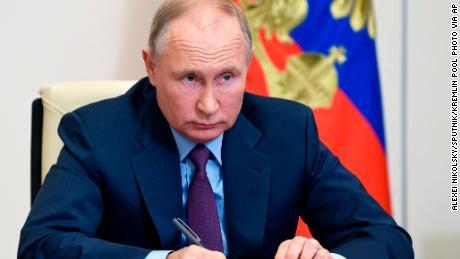 Le président Vladimir Poutine a été interrogé sur Navalny lors d'une réunion avec des membres du Conseil des droits de l'homme de Russie la semaine dernière.