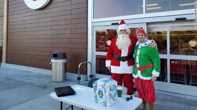 Undercover cops dressed as Santa and his elf fight crime at a California shopping center