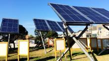 Une gamme de panneaux solaires, Ceres Ecological Park, Brunswick East, Melbourne, Australie
