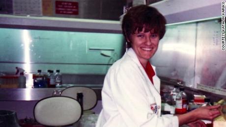 Fue degradada, interrogada y rechazada.  Ahora, su trabajo es la base de la vacuna Covid-19.