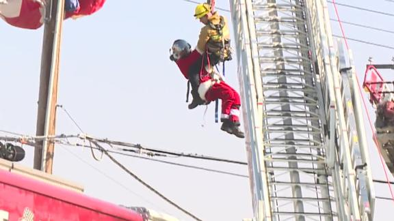 Image for Ho Oh No! Santa gets tangled up in some power lines