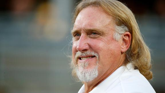 """<a href=""""https://www.cnn.com/2020/12/21/us/kevin-greene-nfl-player-death-spt-trnd/index.html"""" target=""""_blank"""">Kevin Greene</a>, who had the third most sacks in NFL history, died December 21, according to statements from the Pro Football Hall of Fame and the Pittsburgh Steelers. Greene was 58. No cause of death was given."""