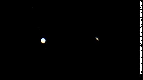 Jupiter and Saturn appear closer than they have for 800 years