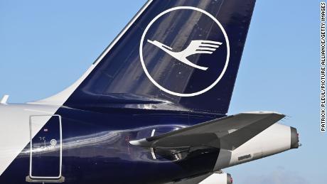 Lufthansa transporta alimentos frescos a Inglaterra mientras continúa el caos fronterizo en el Reino Unido