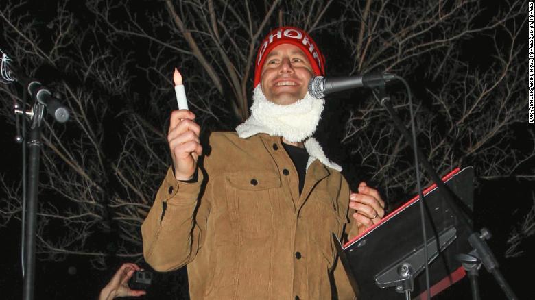 Kirk Cameron organizes caroling protests amid California's Covid-19 surge