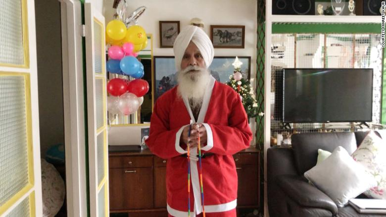 Inspired by his faith, this 'Skipping Sikh Santa' is spreading Christmas cheer
