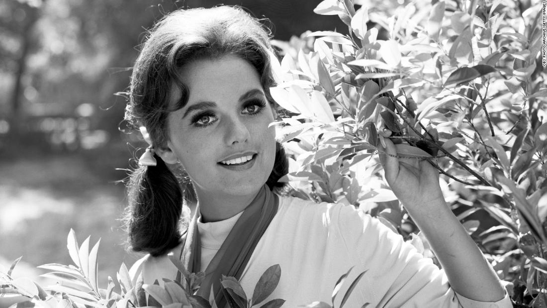 "<a href=""https://www.cnn.com/2020/12/30/entertainment/dawn-wells-obit/index.html"" target=""_blank"">Dawn Wells</a>, who played the lovable castaway Mary Ann Summers on ""Gilligan's Island,"" died from Covid-19 complications on December 30, her publicist Harlan Boll confirmed to CNN. She was 82."