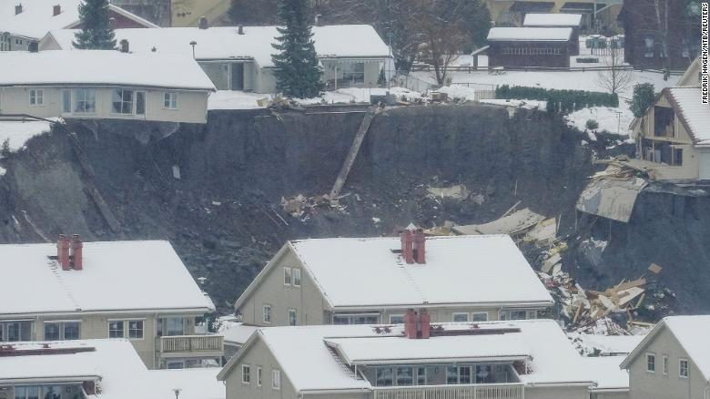 11 people missing after landslide strikes southern Norway, leaving large crater