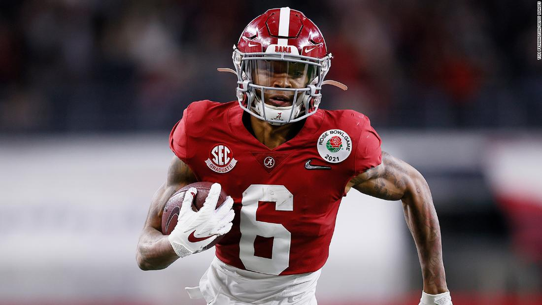 DeVonta Smith of Alabama becomes first wide receiver to win Heisman Trophy in almost 30 years – CNN