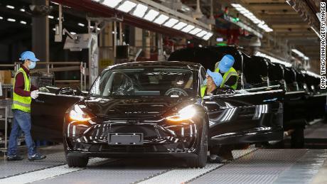 Tesla  достигнет цели в полмиллиона автомобилей в 2020 году