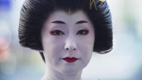 Japan's geishas feeling the impact of coronavirus pandemic