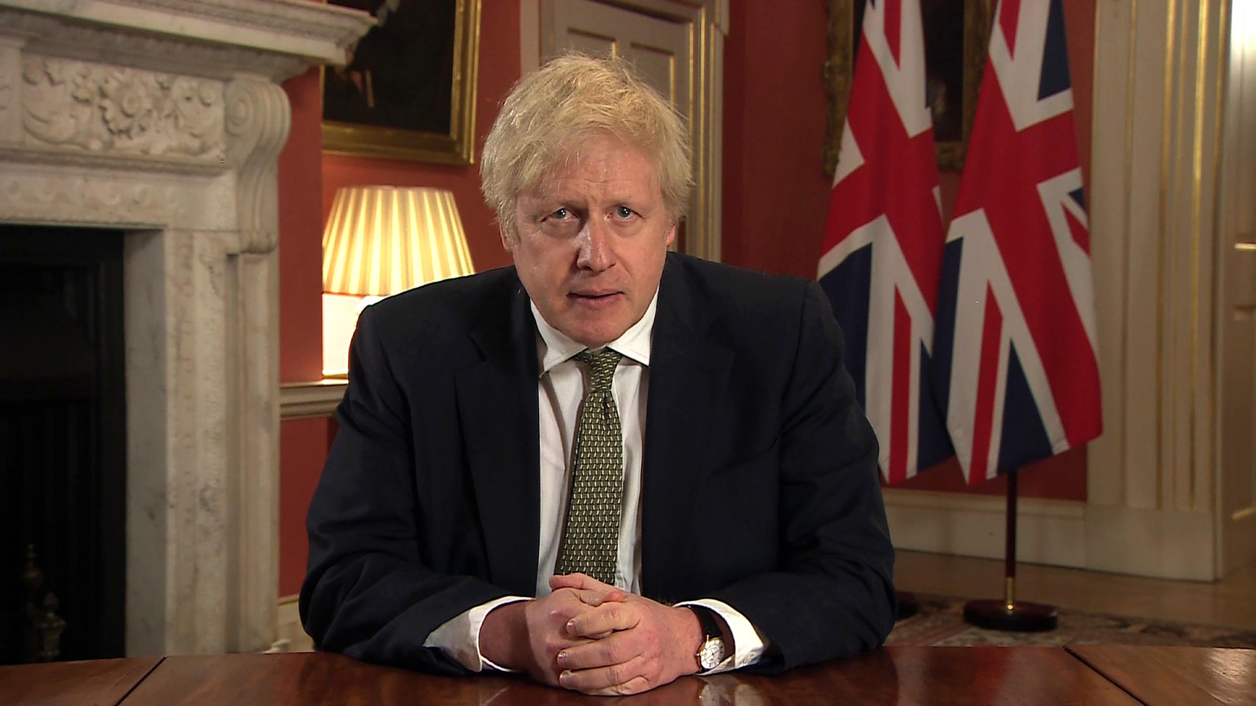 UK lockdown: Boris Johnson imposes harsh new measures as new Covid-19  variant spreads - CNN