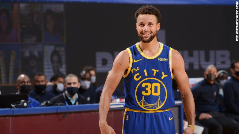 Stephen Curry thumped the Clippers with a 38-point performance to give the Warriors a comeback win