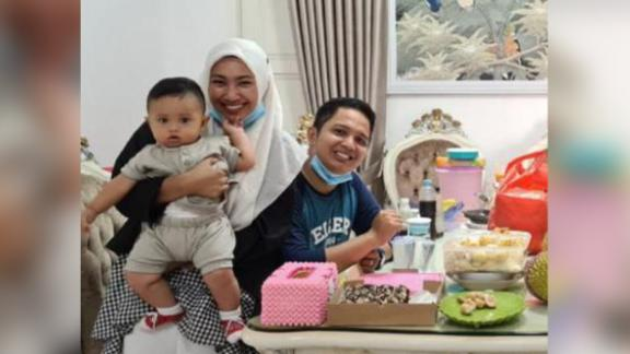Rizki Wahyudi, 26, and his wife Indah Halimah Putri, 26, with their 7 month old son, Arkana Nadhif Wahyudi. Husband Rizki Wahyudi, 26, and wife Indah Halimah Putri, 26, posing with their 7-month-old son Arkana Nadhif Wahyudi. Not pictured is Rosi Wahyuni (Rizki's mother) and Nabila Anjani (Rizki's cousin), who are also missing after the crash.