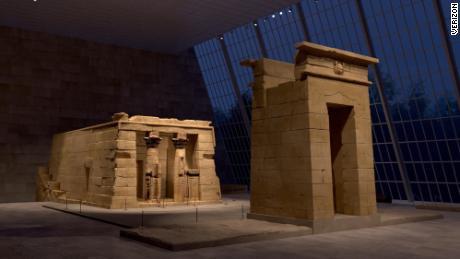 سکوی Met Unframed به کاربران این امکان را می دهد تا از نزدیک به برخی از اشیا famous معروف موزه از جمله معبد دندور مصر باستان نگاهی دقیق بیندازند.