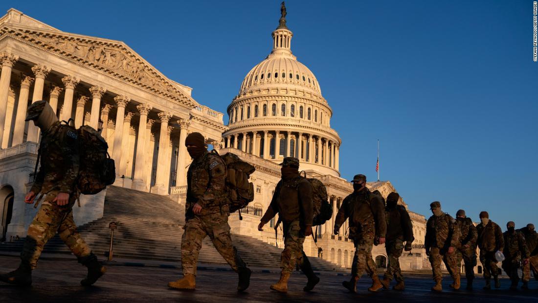 Pentagon mengizinkan mempersenjatai anggota Garda Nasional yang mendukung keamanan Capitol