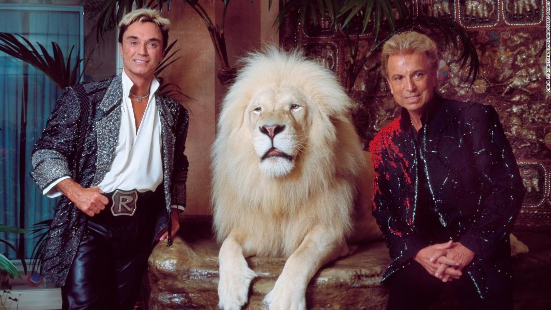 Siegfried Fischbacher, illusionist of Siegfried & Roy, dead at 81