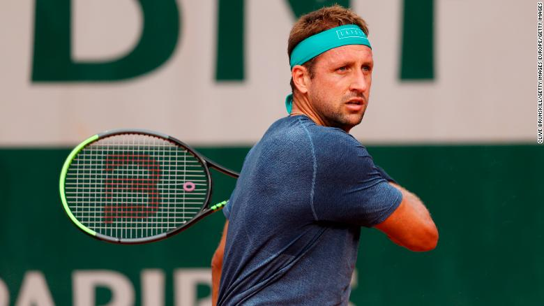US tennis player Tennys Sandgren boards plane to Australian Open despite testing positive for Covid-19