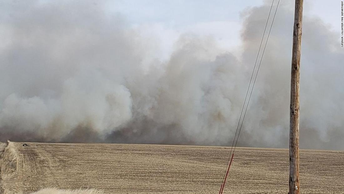 Nebraska town evacuated for hours because of large wildfire