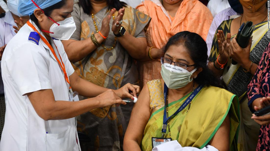 More than 100,000 vaccinated on India's first day of Covid-19 vaccination drive
