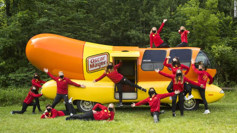 Oscar Mayer hiring team to drive its Wienermobile across the US